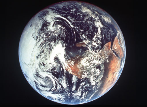 Earth.jpg (51696 bytes)